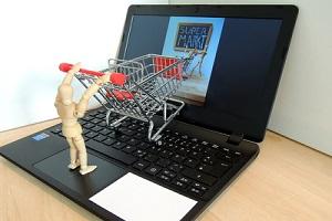 Unternehmen setzen laut einer Expertenstudie zum B2B-E-Commerce immer mehr auf Online-Shopping. Foto: Juergen Jotzo  / pixelio.de