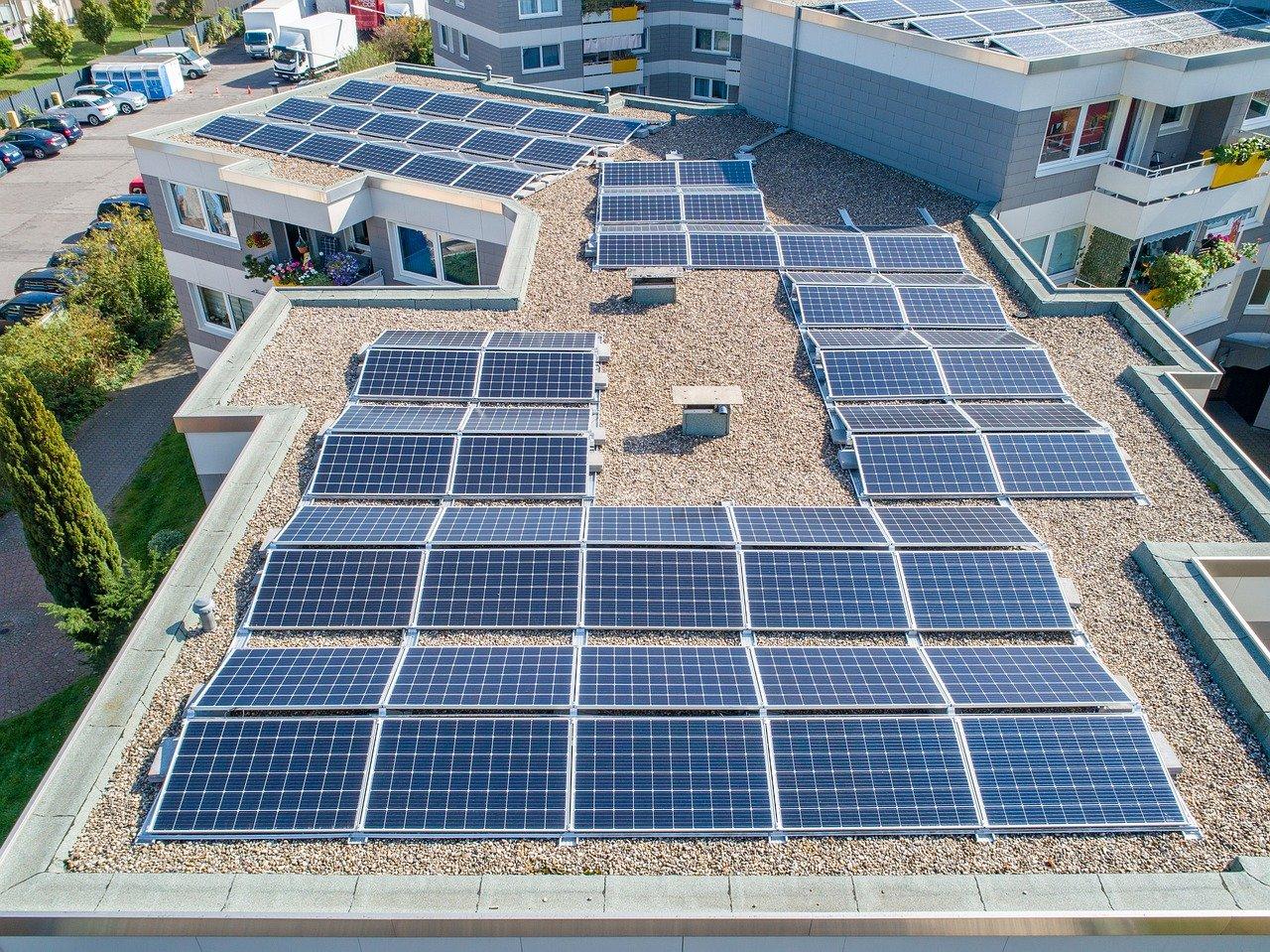 Photovoltaik-Pflicht-f-r-Gewerbeneubauten-l-sst-auf-sich-warten